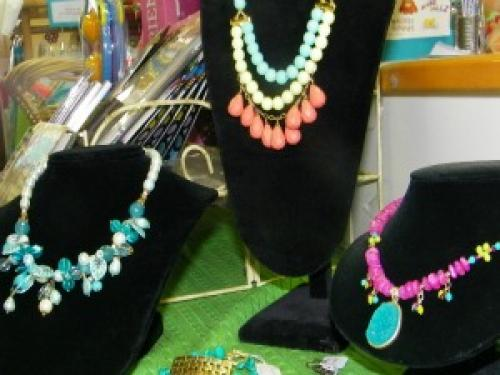 Best Places For Summer Accessories In Charlotte
