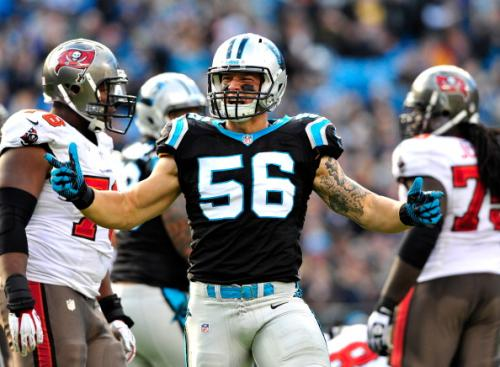Panthers Easily Rout Buccaneers To Win 8th Straight